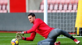 Alex McCarthy was forced to withdraw from the England squad. Twitter/Alex_Macca23