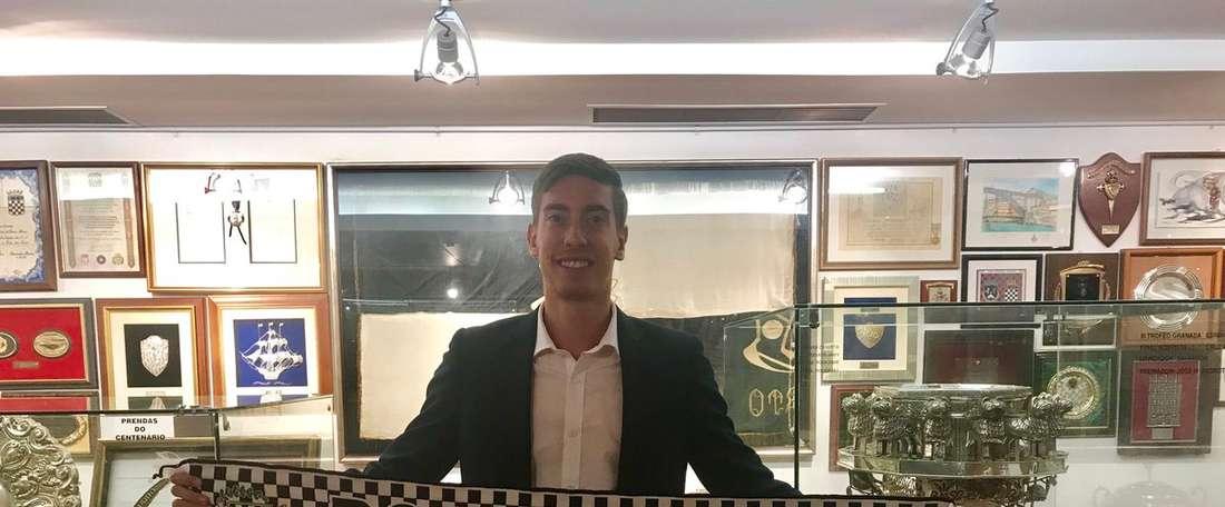 Alex Gorrín estará en el conjunto portugués las dos próximas temporadas. Twitter