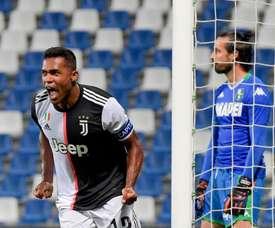 Alex Sandro salva a una Juve que entró en parada. JuventusFC