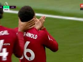 Um míssil de Alexander-Arnold abre o placar em Stamford Bridge . Captura/ESPN