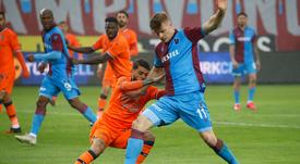 Sörloth podría cambiar de colores pronto. Twitter/Trabzonspor