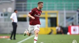 Saelemaekers se queda en el Milan hasta 2024. Twitter/ACMilan