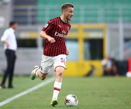 L'AC Milan lève l'option d'achat d'Alexis Saelemaekers. Twitter/ACMilan
