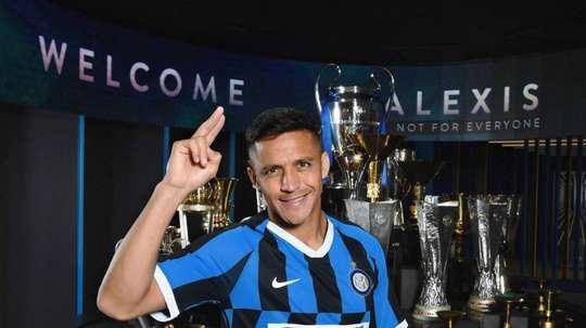 Inter diz que não substituirá Alexis. Twitter/Inter