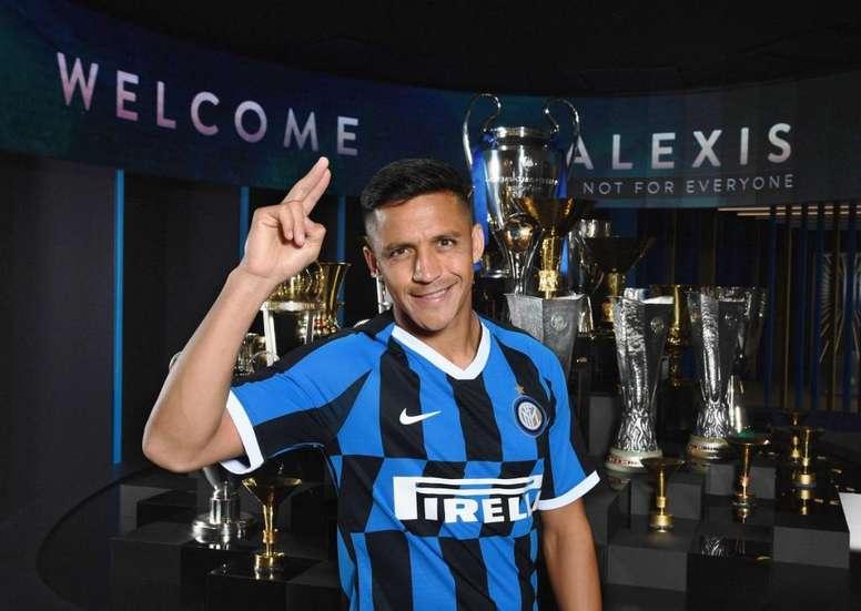 Alexis fica em definitivo na Inter de Milão. Twitter/Inter