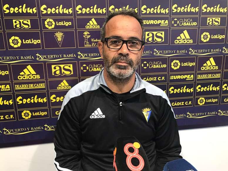 Cervera cree que si el Cádiz juega a merced del Rayo le costará ganar. CádizCF