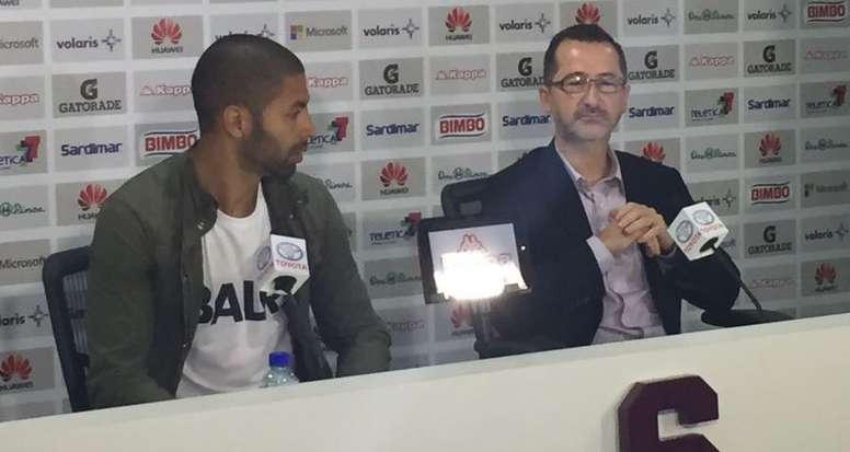 Saborío abandona retiro cuatro meses después para jugar en Segunda División. Saprissa