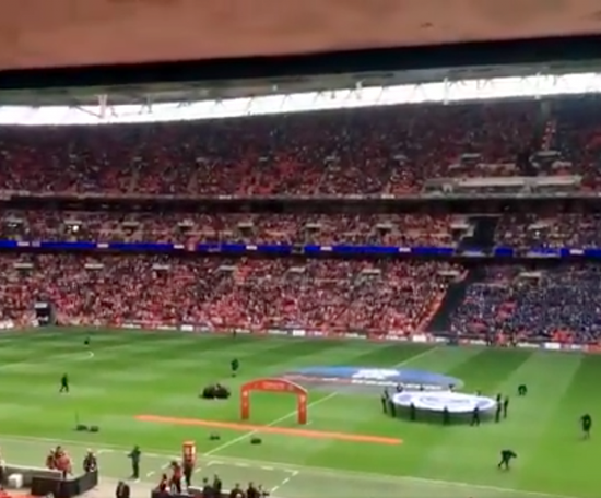 There was a great atmosphere at Wembley. Captura/Twitter/Chriswisey