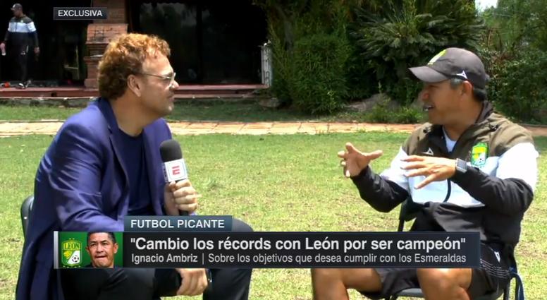 Ambriz fue entrevistado por la 'ESPN' en la previa del choque ante Chivas. Captura/ESPN