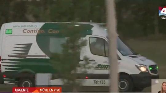 Suárez left in an ambulance. Captura/Telenoche