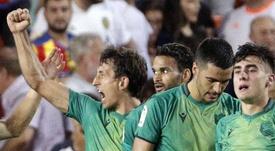 Barrenetxea, visiblemente emocionado tras el empate de Oyarzabal en el minuto 100 de partido. EFE
