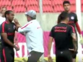 Anderson protagonizó un enfrentamiento a puñetazos con un compañero. Youtube
