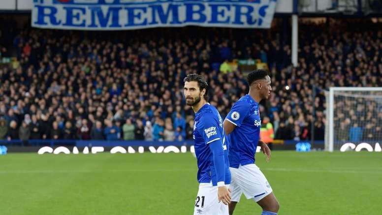 Andre Gomes has been discharged from hospital. Twitter/Everton