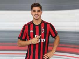 André Silva é uma das caras do novo Milan para 2017/18. Twitter @ AC Milan
