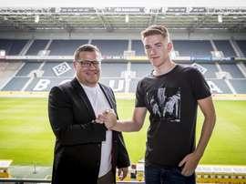 Andreas Poulsen ya es oficialmente del Borussia Mönchengladbach. Twitter/Borussia