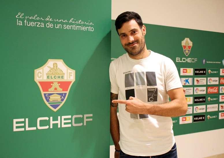 Andrés Túñez como nuevo jugador del Elche. ElcheCF