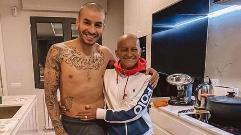 El emotivo gesto de Correa con su madre enferma. Instagram/AngelCorrea