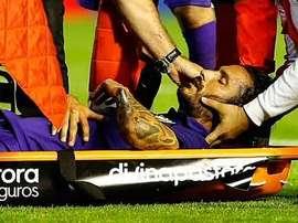 Angeleri tras el golpe que sufrió con Kameni en el partido ante el Valencia. Twitter.