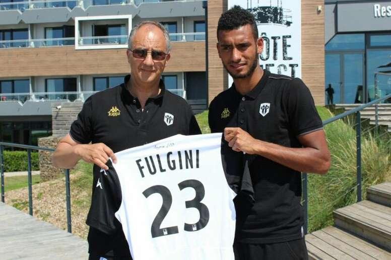 El club francés dio la bienvenida a Fulgini, que lucirá el número 23 esta temporada. AngersSCO