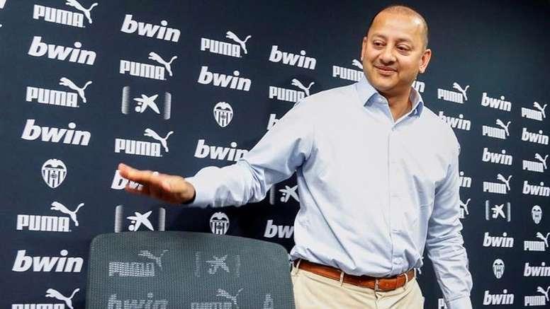 Anil Murthy se reunió con los capitanes del Valencia. EFE