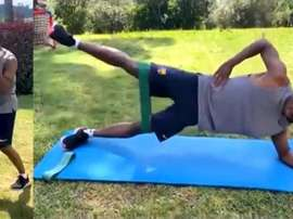 Confira o treinamento de Ansu Fati durante confinamento. Capturas/Twitter/FCBarcelona_es