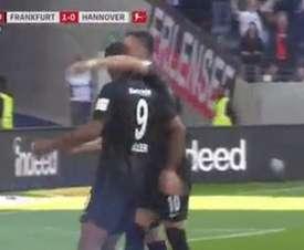 El croata marcó el 2-0 en el Eintracht de Frankfurt-Hannover 96. Captura/FoxSports