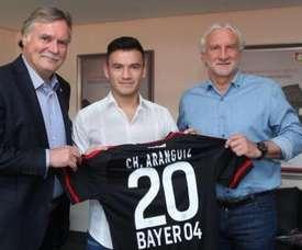 Aránguiz, nuevo jugador del Bayer Leverkusen. Twitter