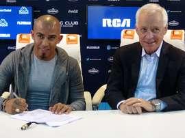 Arévalo Ríos firmó su contrato con Racing de Avellaneda. RacingClub