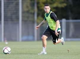El futbolista polaco llega procedente del Queens Park Rangers. LechiaGdansk