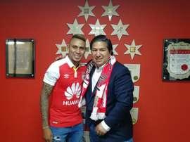 El futbolista terminaba contrato con Lobos BUAP. Twitter/SantaFe