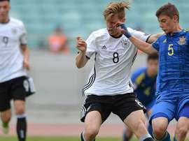 Los dos conjuntos ingleses enviarán ojeadores para espiar a Arne Maier. DFB