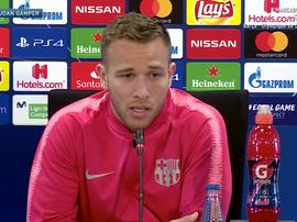 Arthur, lors de la conférence de presse d'avant-match face à Lyon. Capture/BarçaTV