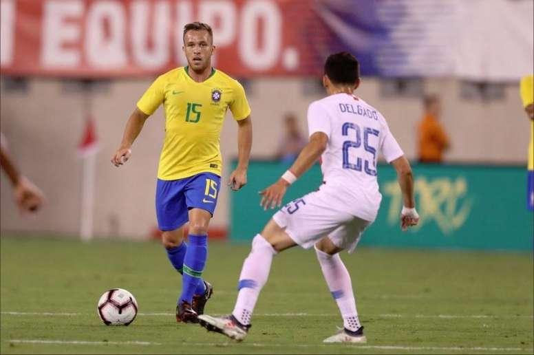 Falsa alarma con Arthur: Brasil respira. Twitter/CBF_Futebol
