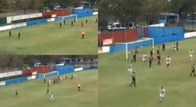 Mendoza sorprendió con un auténtico golazo desde el córner. Captura/SportivoBarracas