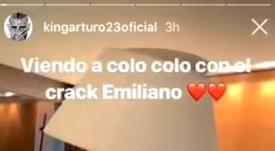 Vidal no se perdió a Colo Colo. Captura/KingArturo23oficial