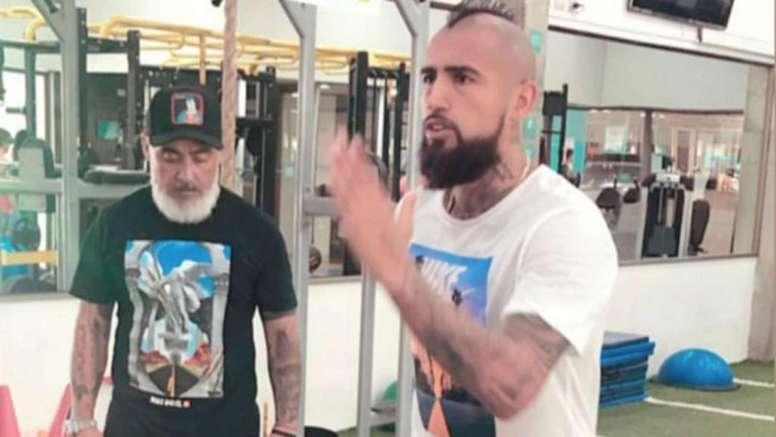 Vidal se mantiene al máximo pese a no jugar con Chile. Instagram/KingArturo23