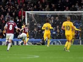 Ashley Barnes scores a late winner for Burnley. BurnleyFootballClub