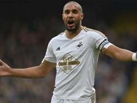Ashley Williams, en un partido con el Swansea. AFP