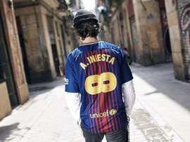 A camisa faz sucesso com a torcida. FCBarcelona