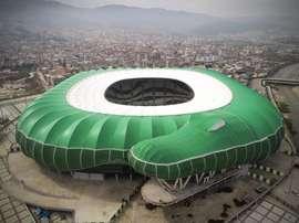 El estadio representa un cocodrilo, símbolo del Bursaspor. Bursaspor