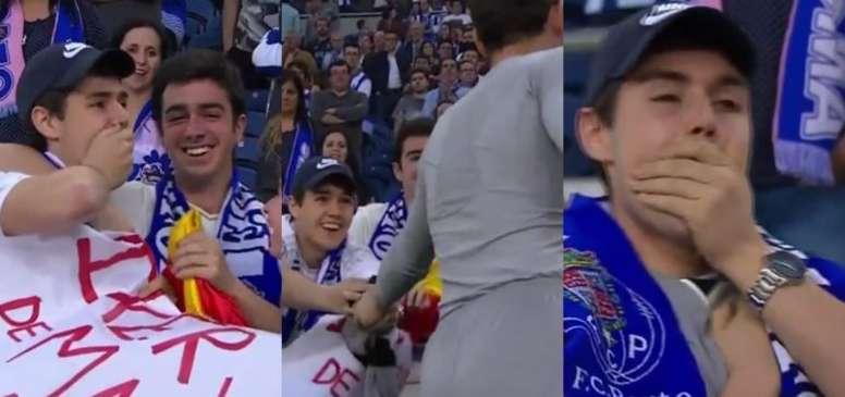 El aficionado, incrédulo tras recibir la camiseta de Casillas. Twitter/PortoGlobo
