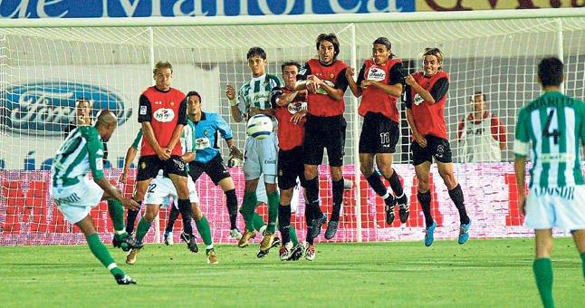 Assunçao, ex centrocampista del Betis, interesa al Sampaio Correa. Realbetisbalompie