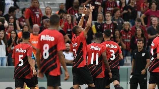 Prováveis escalações de Athletico-PR e Colo-Colo. Twitter @AthleticoPR