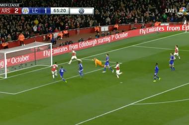 Aubameyang nets Arsenal's third. Captura/NBC
