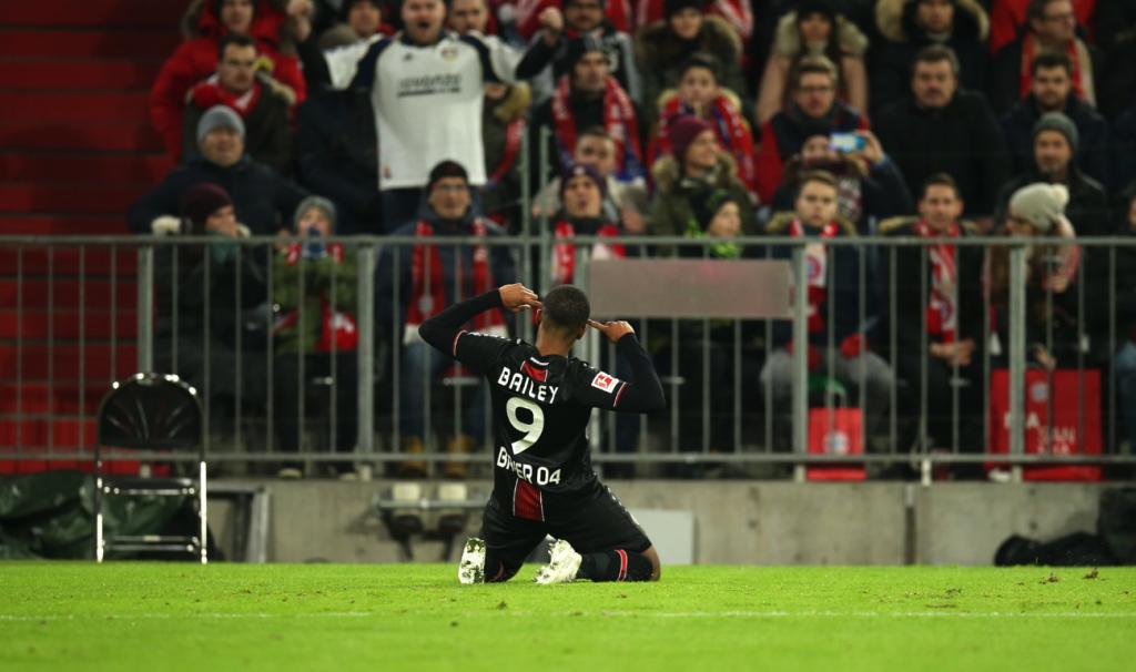 Camisa Bayer Leverkusen Preta E Vermelha
