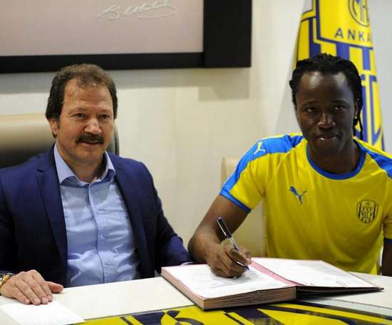 Koné firmó por dos temporadas. Twitter/Ankaragucu