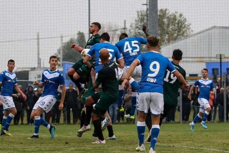 Balotelli marque quatre buts en amical avec Brescia. Twitter/BresciaOffical