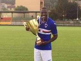 Bambo Diaby, tras ganar un título con las categorías inferiores de la Sampdoria. Capgros
