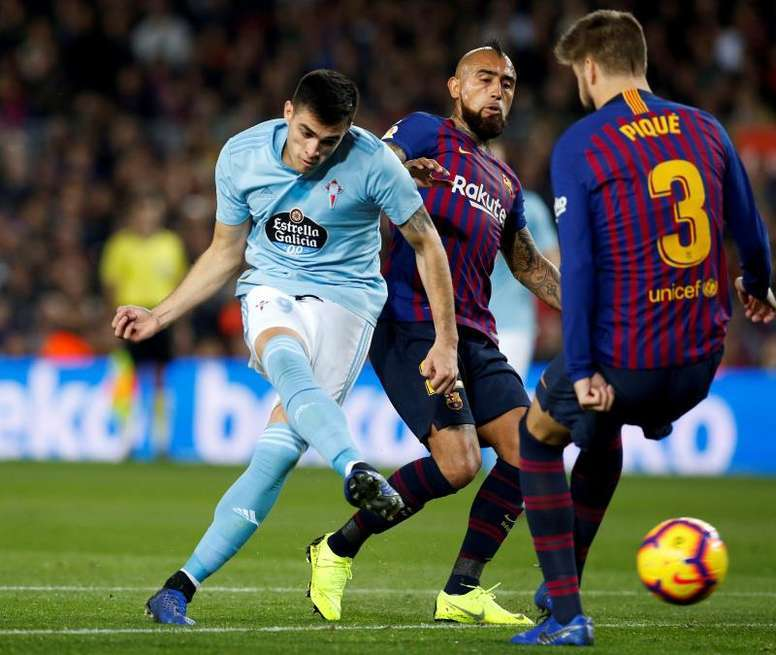 Barcelona are eyeing a move for Maxi Gomez. EFE