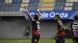 Sporting San Miguelito pincha y ve alejarse a Árabe Unido. SportingSM